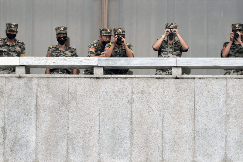 North Korean army soldiers