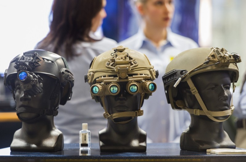 New U.S. army technology is displayed.